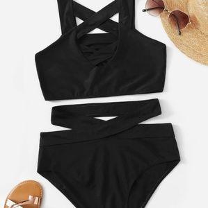 Criss-cross bikini with cutouts